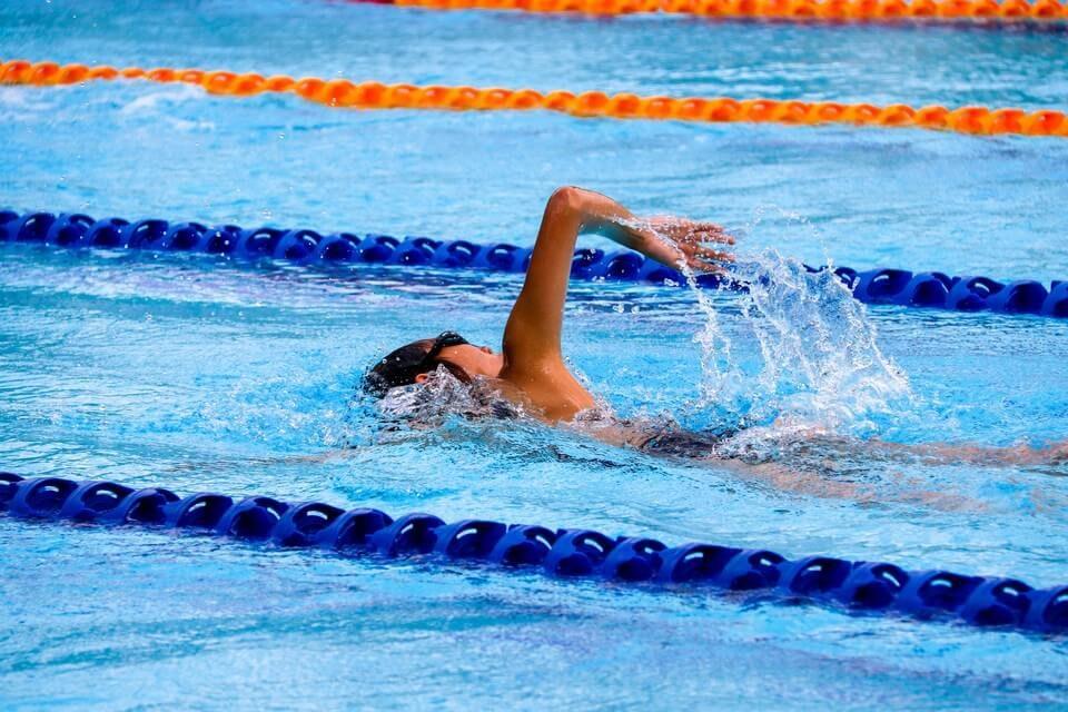 swimming2-1202777